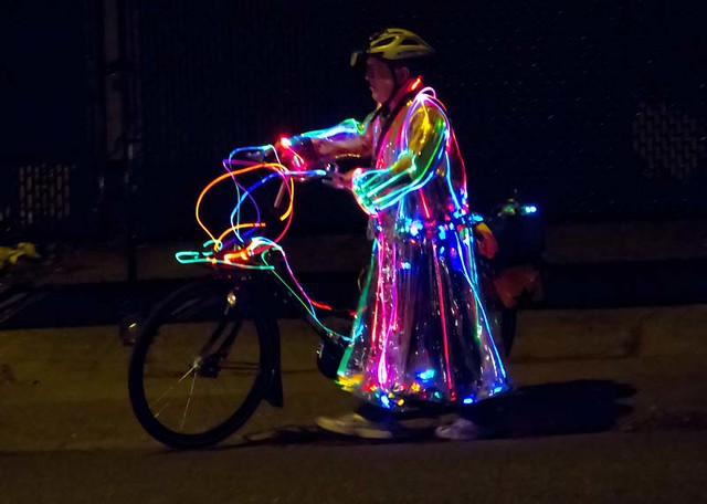 2011-12-23 The Merry Christmas Bicyclist