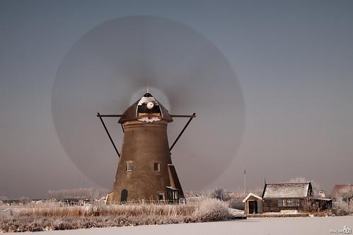 winter snow cold mill ice reed netherlands windmill sneeuw nederland unesco spinning riet kinderdijk alblasserwaard molen worldheritage ijs windmolen koud zuidholland werelderfgoed nd110 draaiend 110nd leuropepittoresque bracom bw110endgrey bramvanbroekhoven