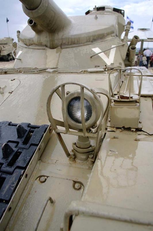 AMX-13 (2)