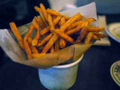 土, 2010-10-23 19:15 - Heartland Brewery Sweet Potato Fries