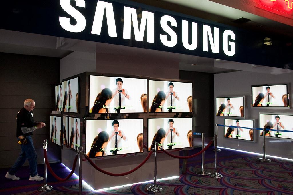 Samsung Displays | From Samsung Smart TV 2 0 Can 'Listen, Se