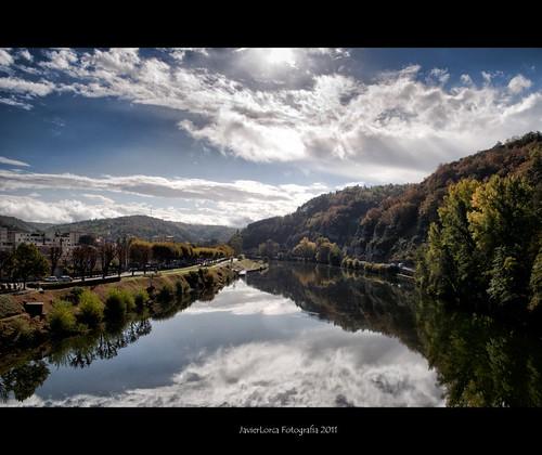 rio lot cielo nubes reflejo campo cahors campiña colorphotoaward