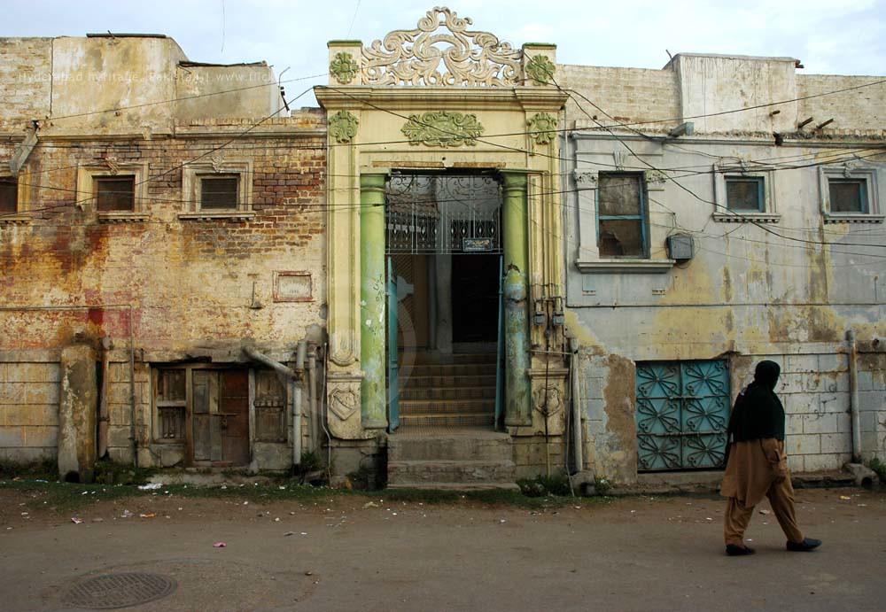 Hindu heritage of Hyderabad, Pakistan | Last glimpse: Man wa