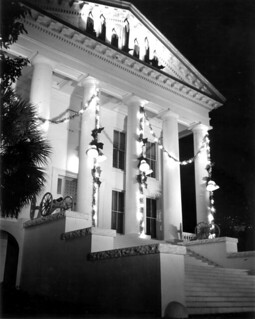 East front of the Capitol decorated for Christmas: Tallahassee, Florida