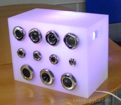 cubes et vitrines 020