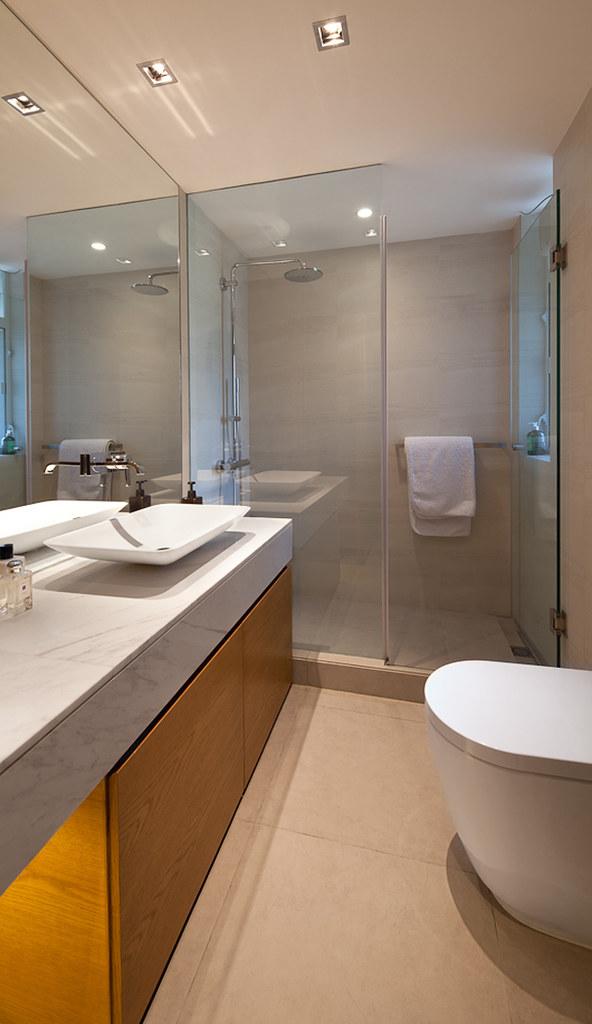 E13 Bathroom