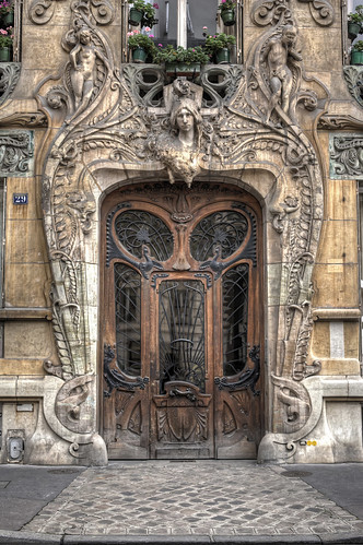 The Best Door in Paris | by IPBri
