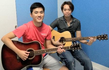 Beginner guitar lessons Singapore Ken
