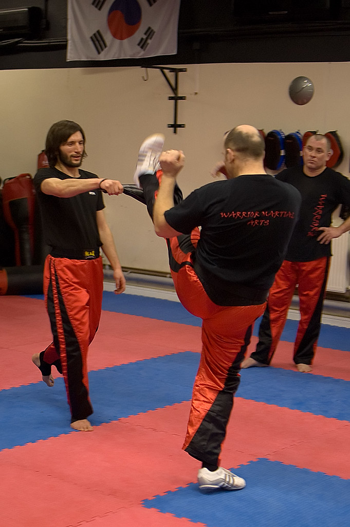 Axe Kick Demonstration | Instructor Keith Hipkiss demonstrat