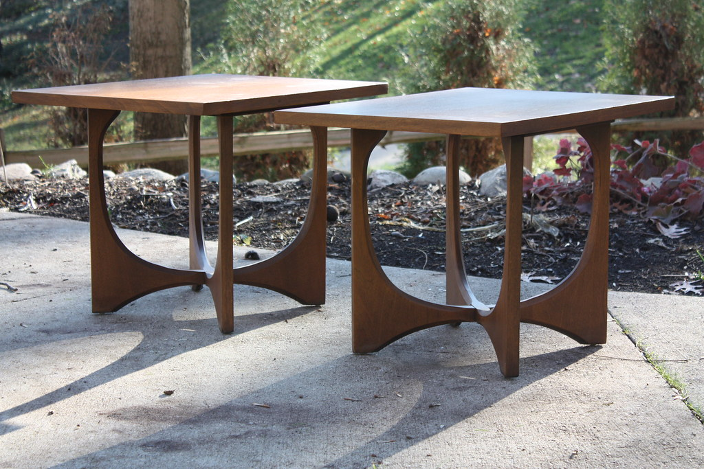 Awesome Perfectly Paired Broyhill Brasilia Mid Century Walnut End Uwap Interior Chair Design Uwaporg