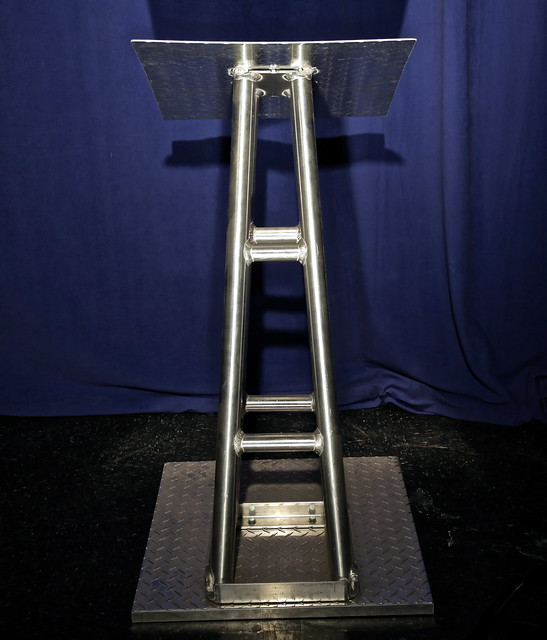Podium-Diamond Plate Truss