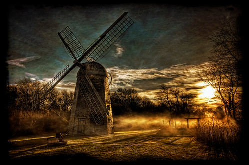 ri autumn fall texture windmill fog sunrise warm pentax newengland rhodeisland newport portsmouth middletown hdr k5 1812 texturized quakerhill tonemapped robertsherman