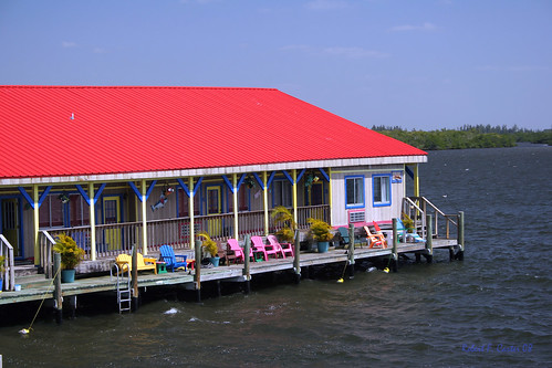 florida motel hotel resort tinroof adirondackchairs seascape roadside robertcarterphotographycom ©robertcarter