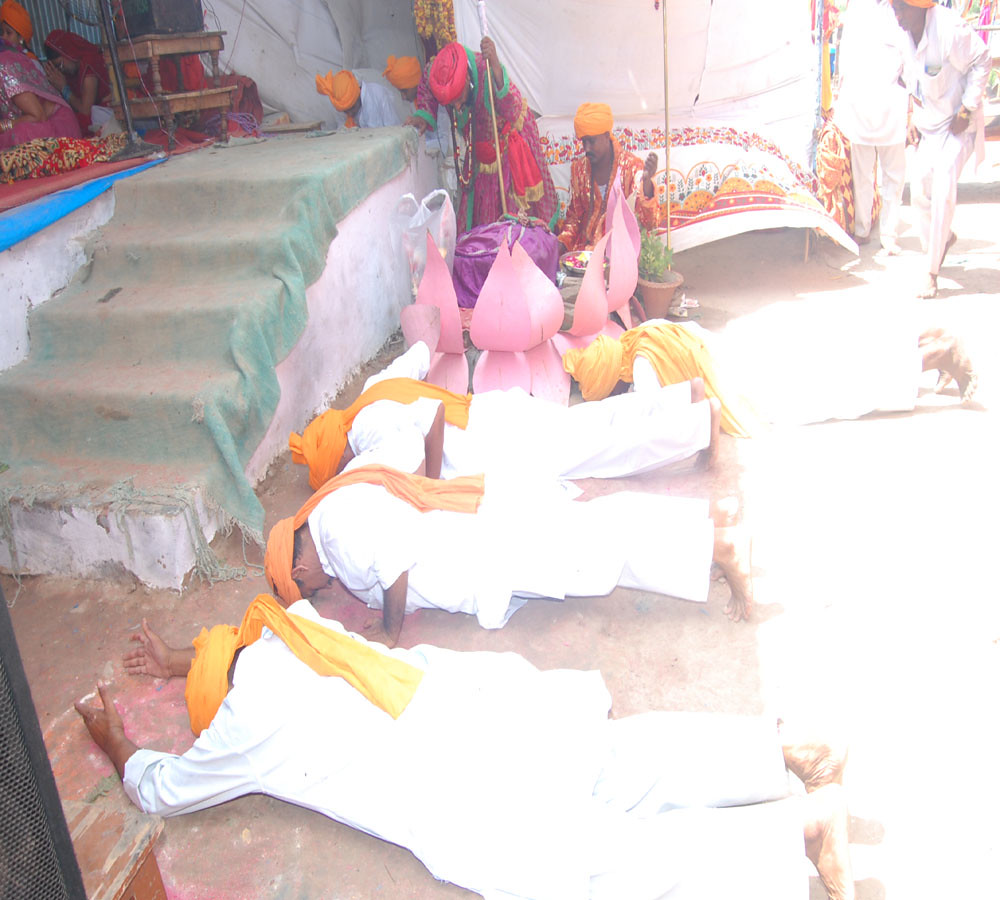 Ashram In Lucknow
