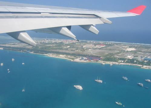 sea beach island hotel boat yacht indianocean aerialview maldives airbusa340 srilankanairlines