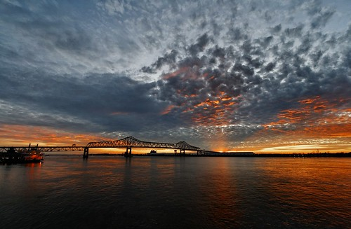 sunset river landscape louisiana batonrouge mississippiriver 10mm canonefs1022mmf3545usm mrgreenjeans gaylon mississippiriverbridge gaylonkeeling horacepwilkinsonbridge