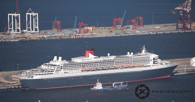 The Queen Mary 2 In Cape Town