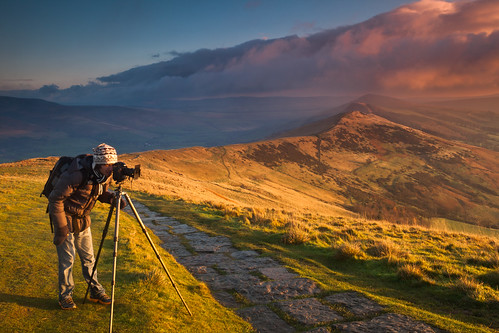 uk portrait mountain sunrise landscape photography dawn photographer view peakdistrict hill valley edalevalley mamtor hopevalley chrishepburn ianegner