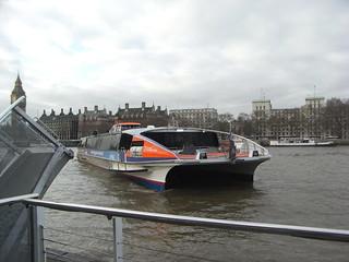 ロンドンからグリニッジまでテムズ川をボートで行く | by nyanchew