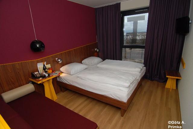 Meininger_Hotel_Frankfurt_Airport_Jan2012_01