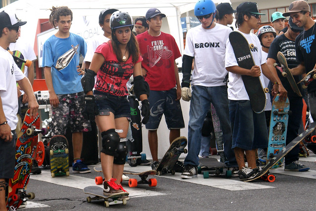 Girl & Skate - Ready to go