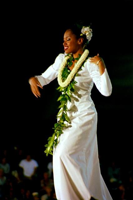 Dancer, Hula ʻauana (n0080200)