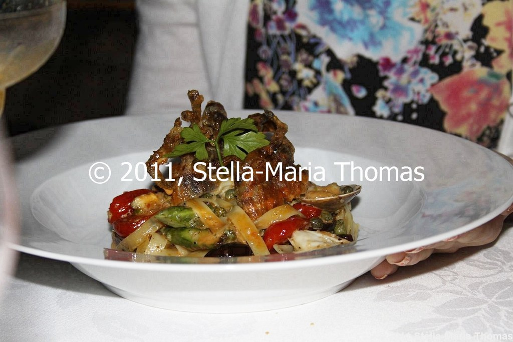 WATERMARK - TAGLIATELLE, SOFT SHELL CRAB, GARLIC CLAMS, HERB BUTTER 007