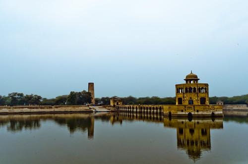 pakistan places historical minar hiran shahikhupura