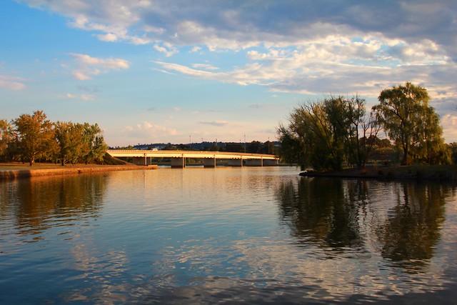 Kings Avenue Bridge, Canberra