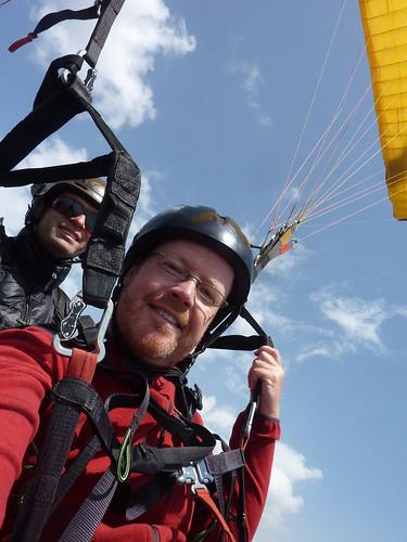 Pokhara - paragliding - Gerhard en Jamie