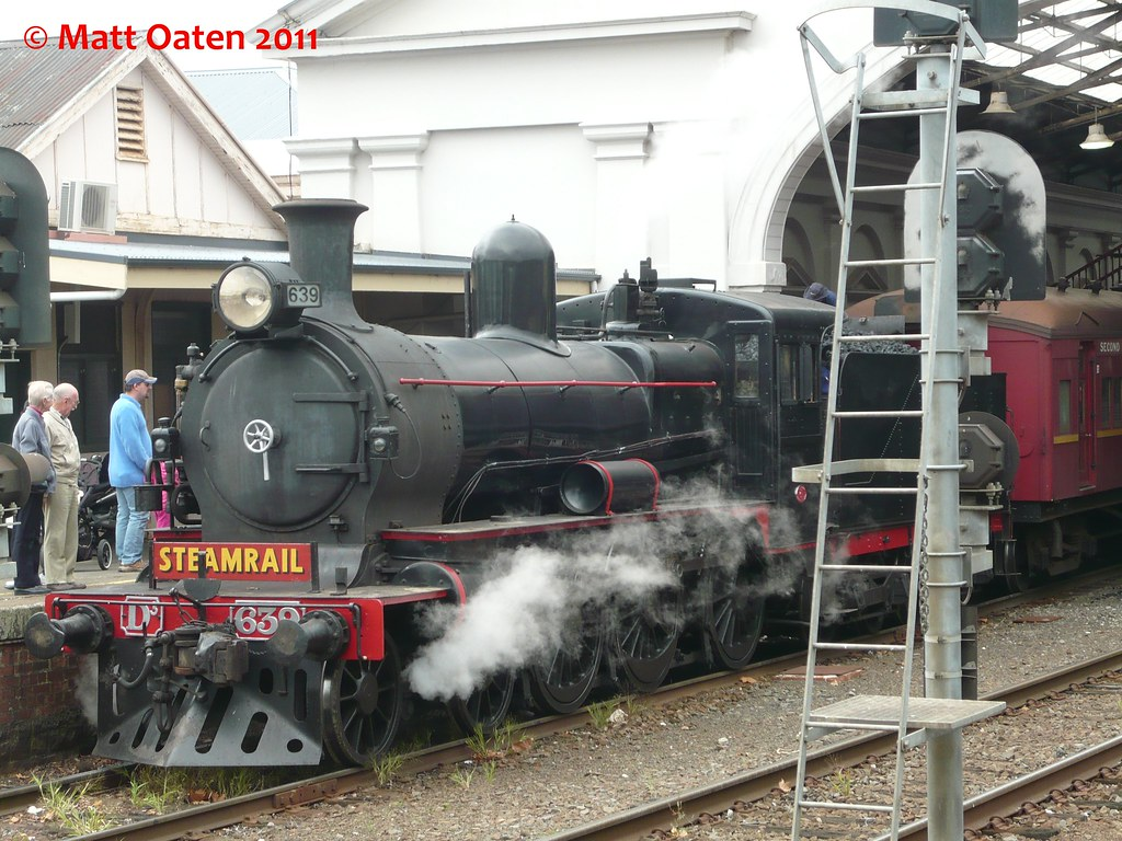 D3 639 At Ballarat Station by MattOatenVR
