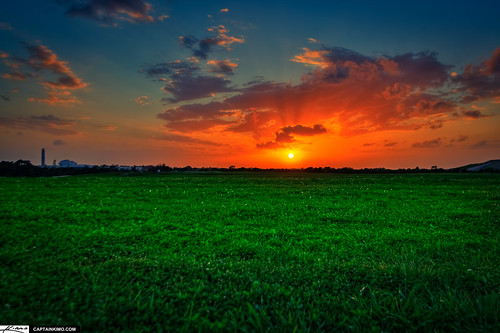 Sunset at Dyer Park Over Grassy Field Previously a Landfill | by Captain Kimo