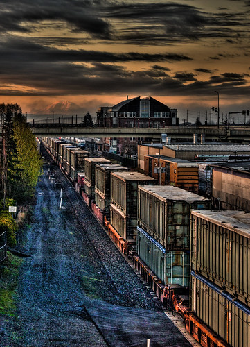 sunrise trains mtrainier everett