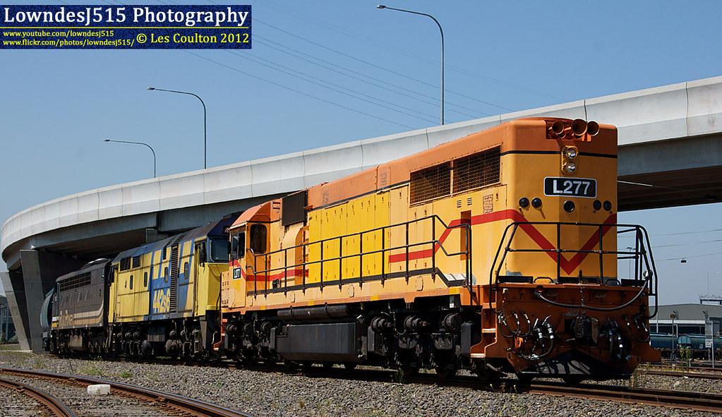 L277, 442S6 & S312 at Appleton Dock by LowndesJ515