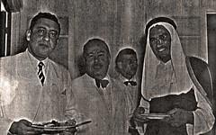 مع شكيب الاموي و عبد الله بن عدوان وزبر المالية السعودي و امين المميز سفير العراق والاميري سفيرا لسوريا - 1954