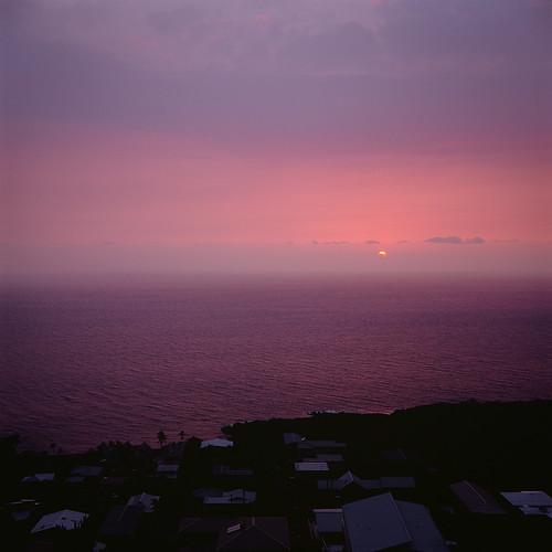 sunset fog analog hawaii fuji velvia yashica captaincook vog 635 konacoast southkona kaoheroad
