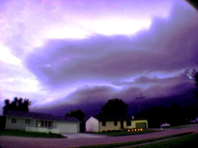 070404 - Phenomenal Severe Thunderstorm - West of Kearney Nebraska!