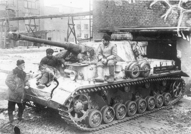PzKpfw.IV captured
