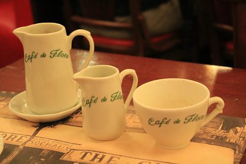 圖06  花神咖啡館內也銷售咖啡杯具及杯墊等。