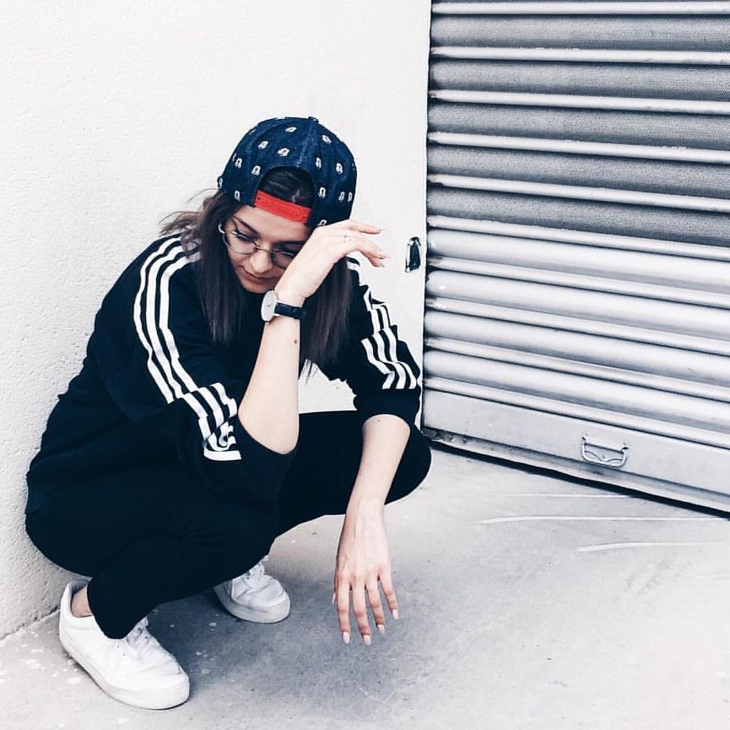 Girl street outfit makeup nails tumblr teen
