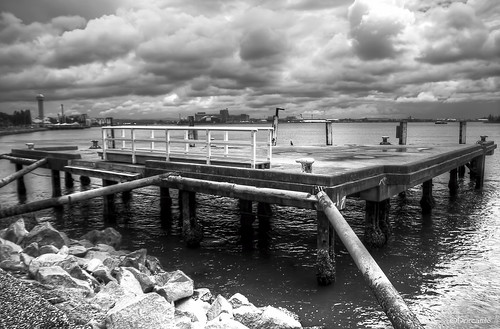 newcastle harbour hdr pontoon foreshore nd8 sigma1770 canon7d worldhdr dorcam16