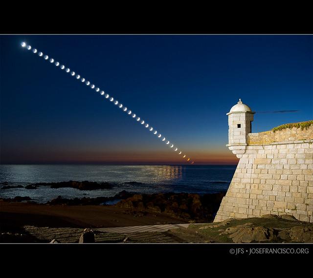 2. Moonset: Forte de São Francisco Xavier