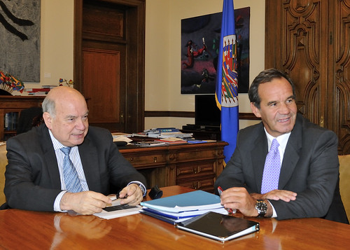 Secretary General Meets with Chile's Defense Minister | by OEA - OAS