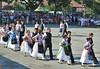 Einmarsch der Jugendtrachtengruppen in schwäbischer Tracht
