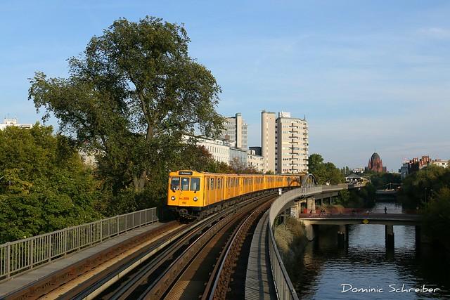 BVG 490 U-Bhf Möckernbrücke, Berlin
