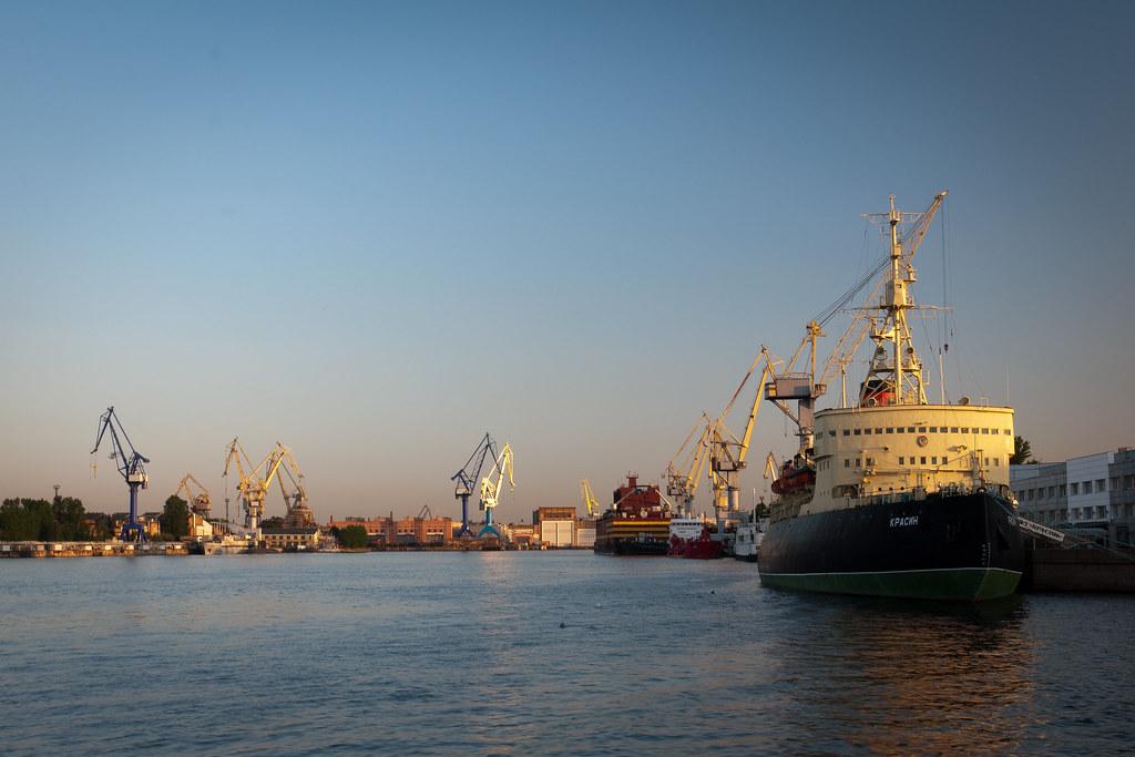 The Icebreaker Krasin and the Admiralty Shipyard
