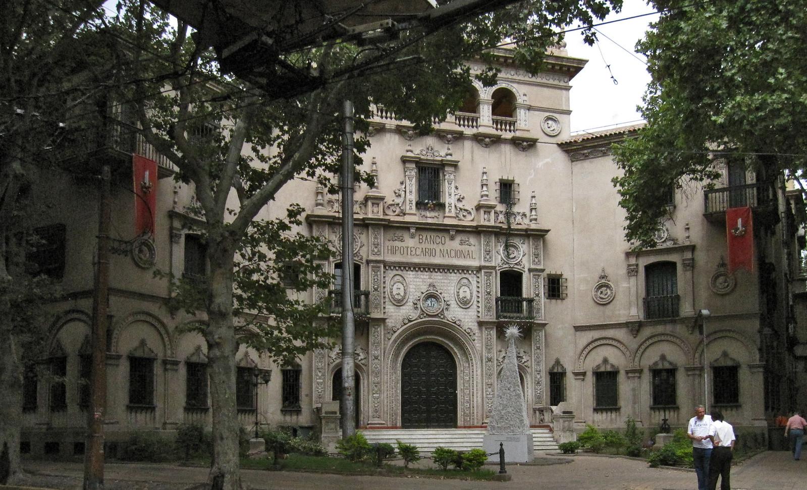 Mendoza 143