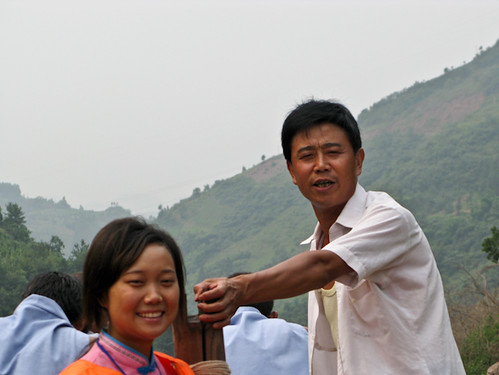 Tujia boatman and girl sing to passengers - Shennong Stream, China | by retrotraveller