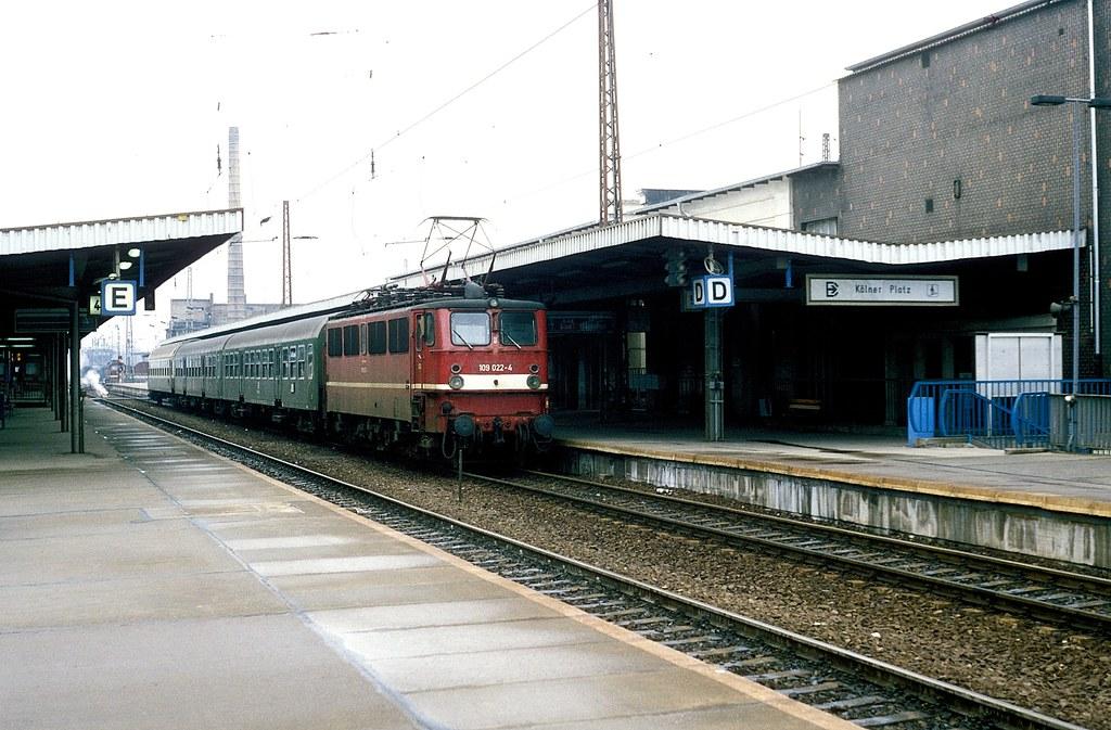 109 022 Magdeburg -- 02 93   Foto: B  Braun   Bahnbilder von W  + H