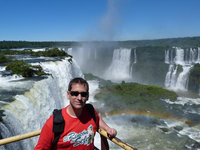Sele en las cataratas de Iguazú desde el lado brasileño